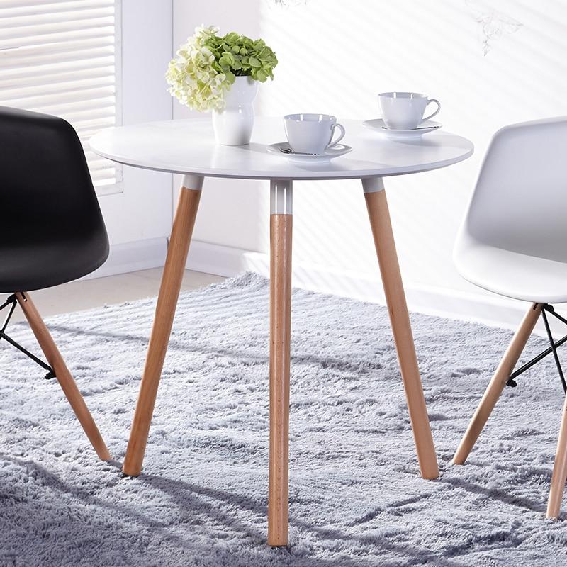 Ikea. mesa redonda a discutir una combinación mesas y sillas del ...