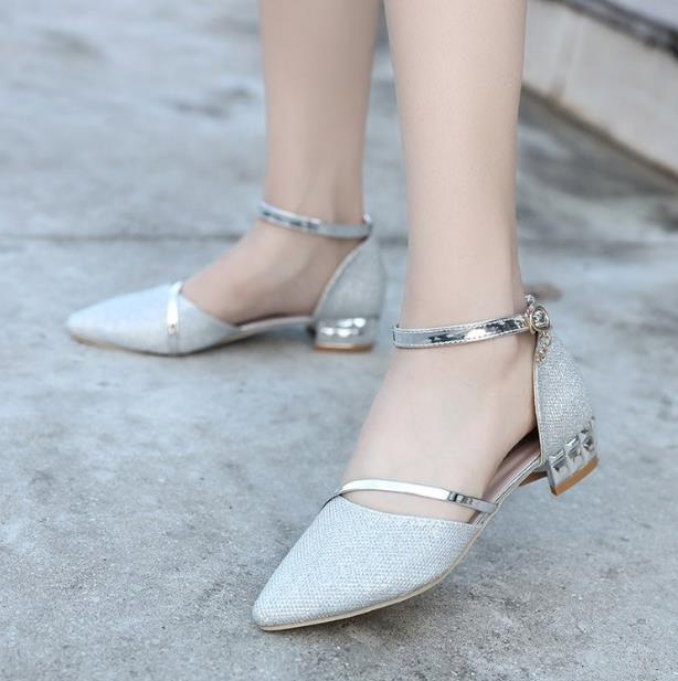 2018 New Spring Baotou Thick with Word buckle Summer Heel Sandals Sexy Summer Comfort Wild Women Shoes