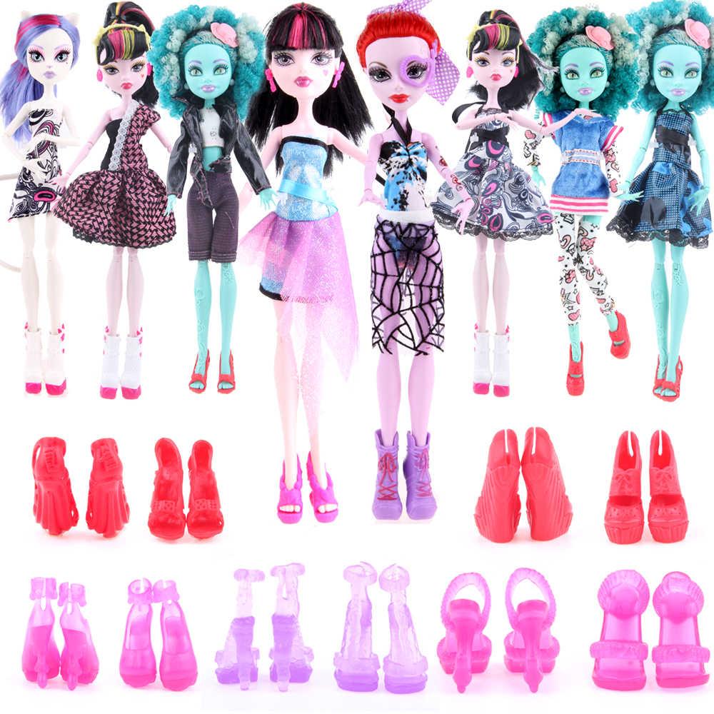 61a491667d1b Дешевый! 10 предметов 5 комплектов одежды + 5 пара обуви волшебника куклы  высокие аксессуары модная