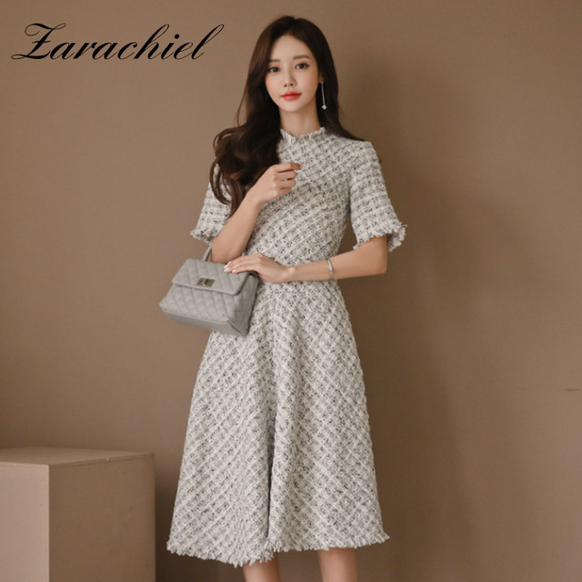 2019 Spring New Small Fragrant Tweed Dress Women Half Sleeve High Waist Midi Dress Elegant Plaid Slim Fit A Line Tassel Dress