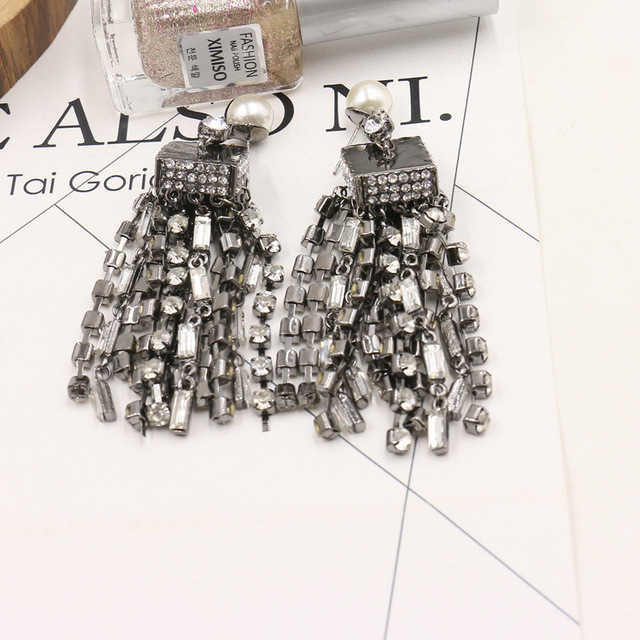 2017 New Fashion Shiny Long Square Crystal Tassel Earring Charming Chandelier Wedding Bridal Earrings Pearl Jewelry 351