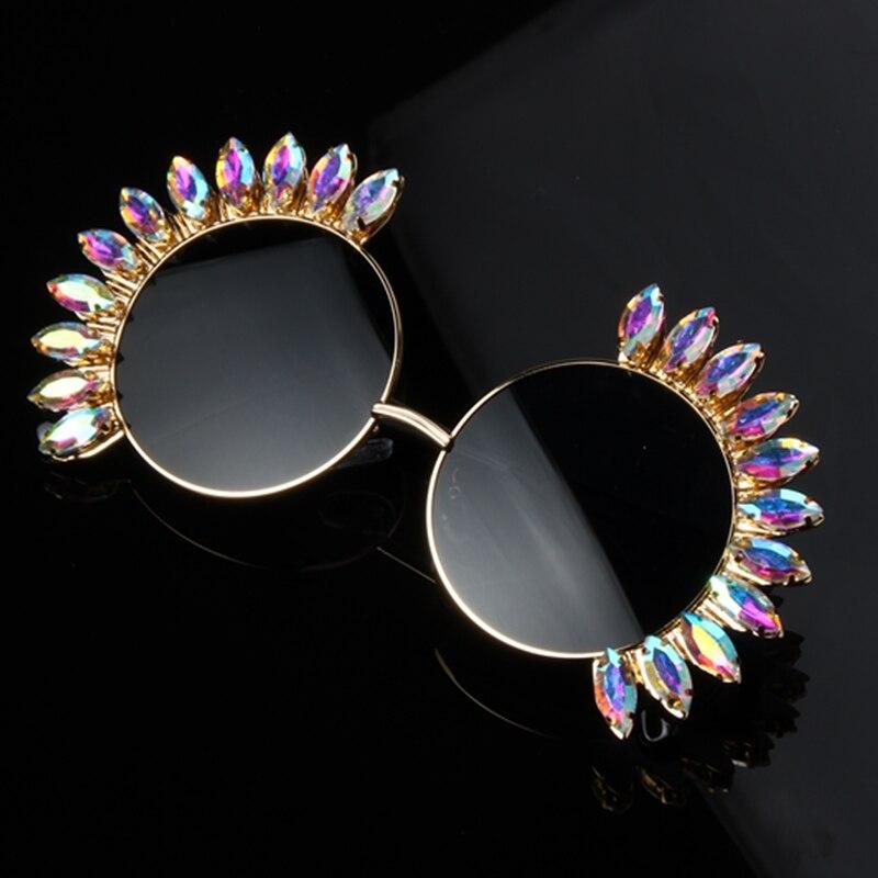 Diseñador de la marca mujeres 2018 Crystal lujo gran espejo gafas de sol hombres Vintage fresco Retro Shades