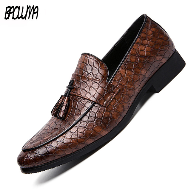 2019 Four Seasons Pointed Men Formal Business Brogue Shoes Luxury Men's Dress Shoes Male Casual Leather Wedding Party Loafers