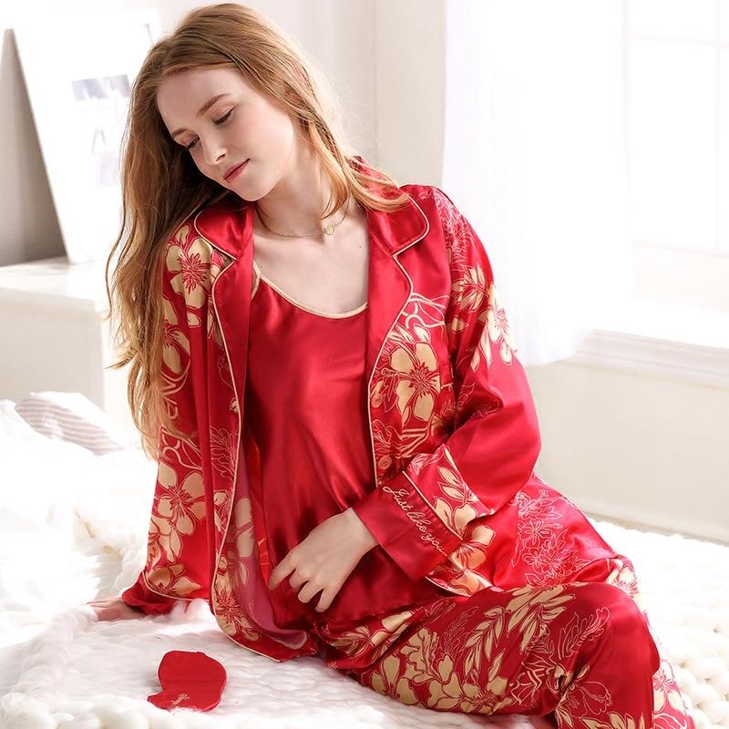 ffb89cc245d33 CherLemon hommes Satin soie pyjamas femmes 3 pièces Camisole pantalons et  haut Pyjama ensemble automne rouge Floral imprimé mariée et le marié  vêtements de ...