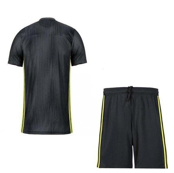 best service 9edee facf3 US $17.98 |New 2019 RONALDO JUVENTUS adult kits Soccer Jersey 18 19 JUVE  2018 DYBALA HIGUAIN BUFFON Camisetas Futbol Camisas Maillot Footba-in ...