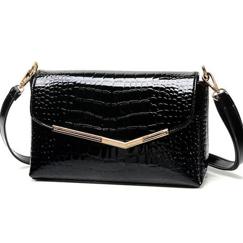 brand women messenger bags crocodile pattern patent leather handbag female small shoulder bags envelope clutch QT-310 paste genuine leather brand women clutch bags fashion crocodile pattern envelope shoulder ladies messenger handbag female gift