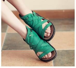 2017 Newest Fashion Hot Selling Summer Women Green Leather Hand Made Sandals Flat Causal Ladies Beach Shoes