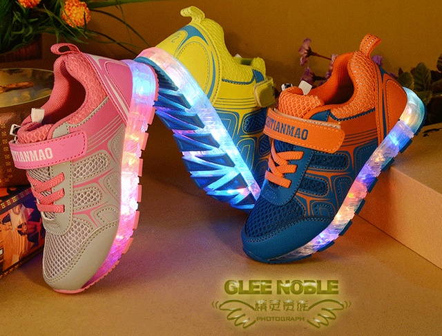40573d087 New Girls Boys USB Charger LED Children Shoes Kids Simulation Sole Glowing  Flashing Lighted Luminous Chaussure