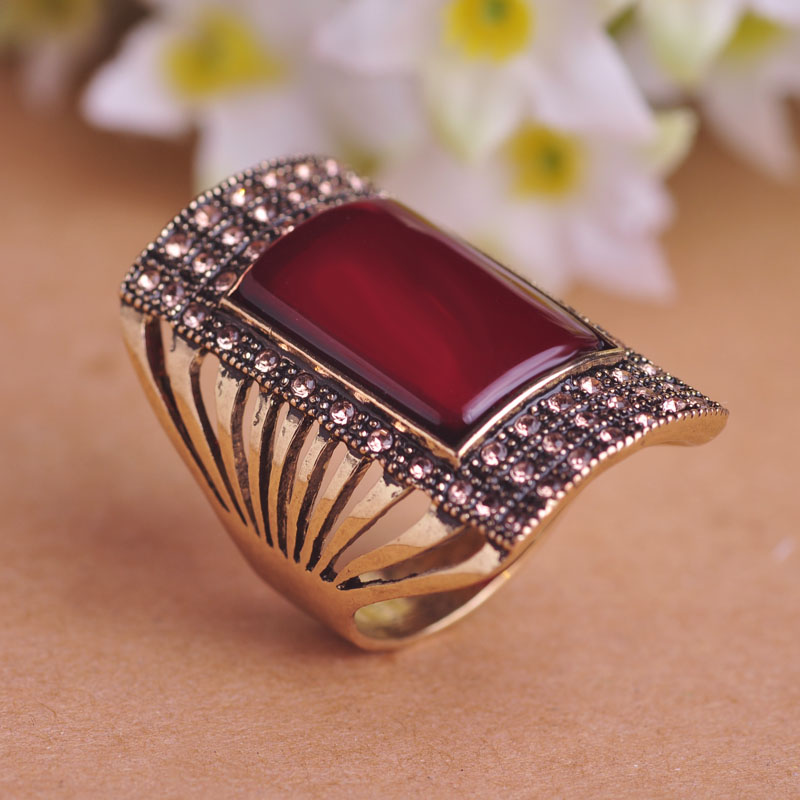 Blucome Vintage Jewelry Sets Antique Gold Color Square Red Pendant ...