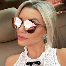 LVVKEE 2018 Luxury Cat Eye Sunglasses Ladies Vintage brand Designer pink Lattice Mirror Sun Glasses uv400 oculos de sol with box