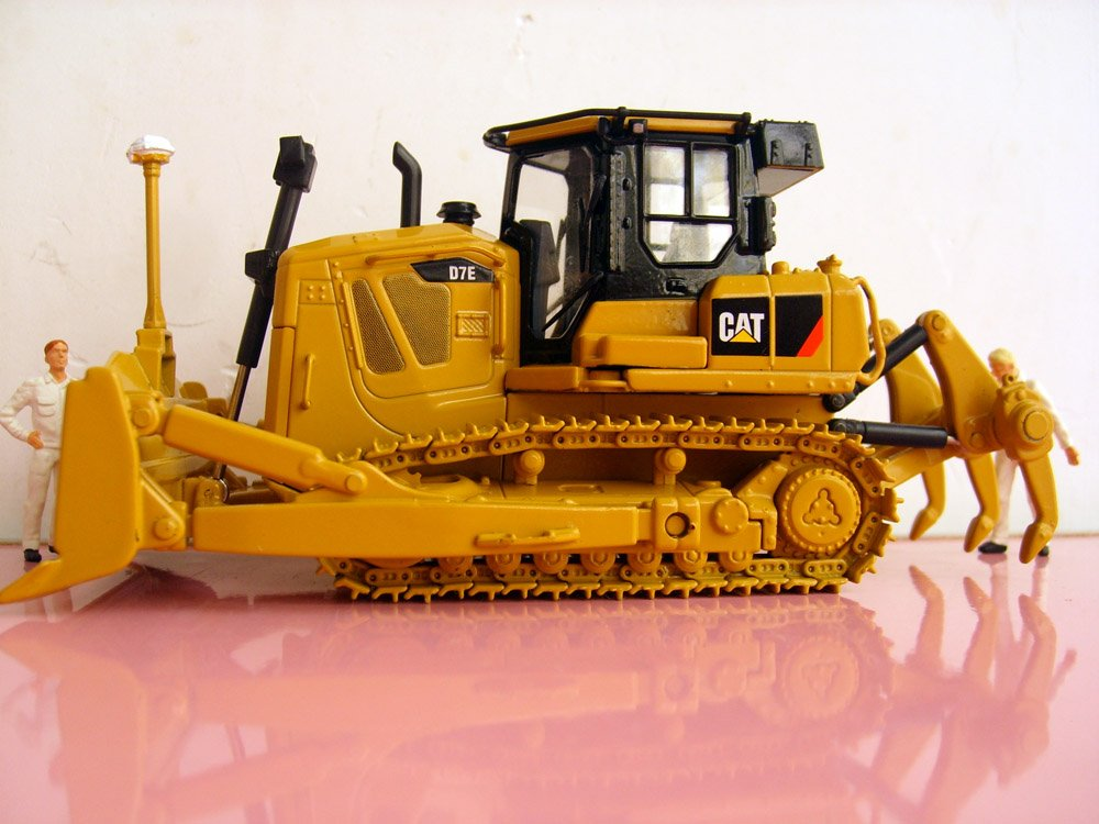 Metal Pedal Tractor Loader : Metal caterpillar toy tractors wow