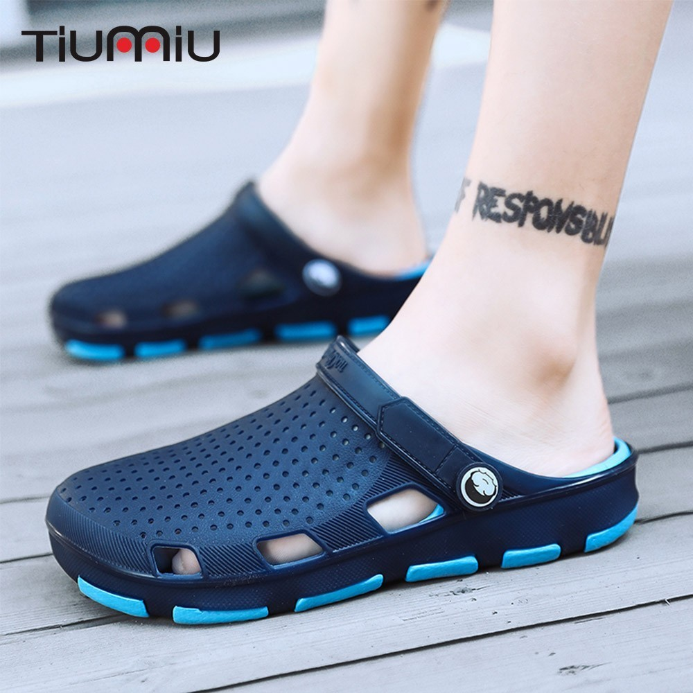 2019 Nurse Doctor Shoes Medical Men's Hole Slipper Non-slip Hospital Laboratory Lab Beach Clogs Breathable Summer Work Shoes