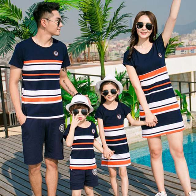 21efb5ca03ee 2019 Family Matching Outfits Mother And Daughter Dresses Summer Fashion  Striped T-shirt Outfits Father