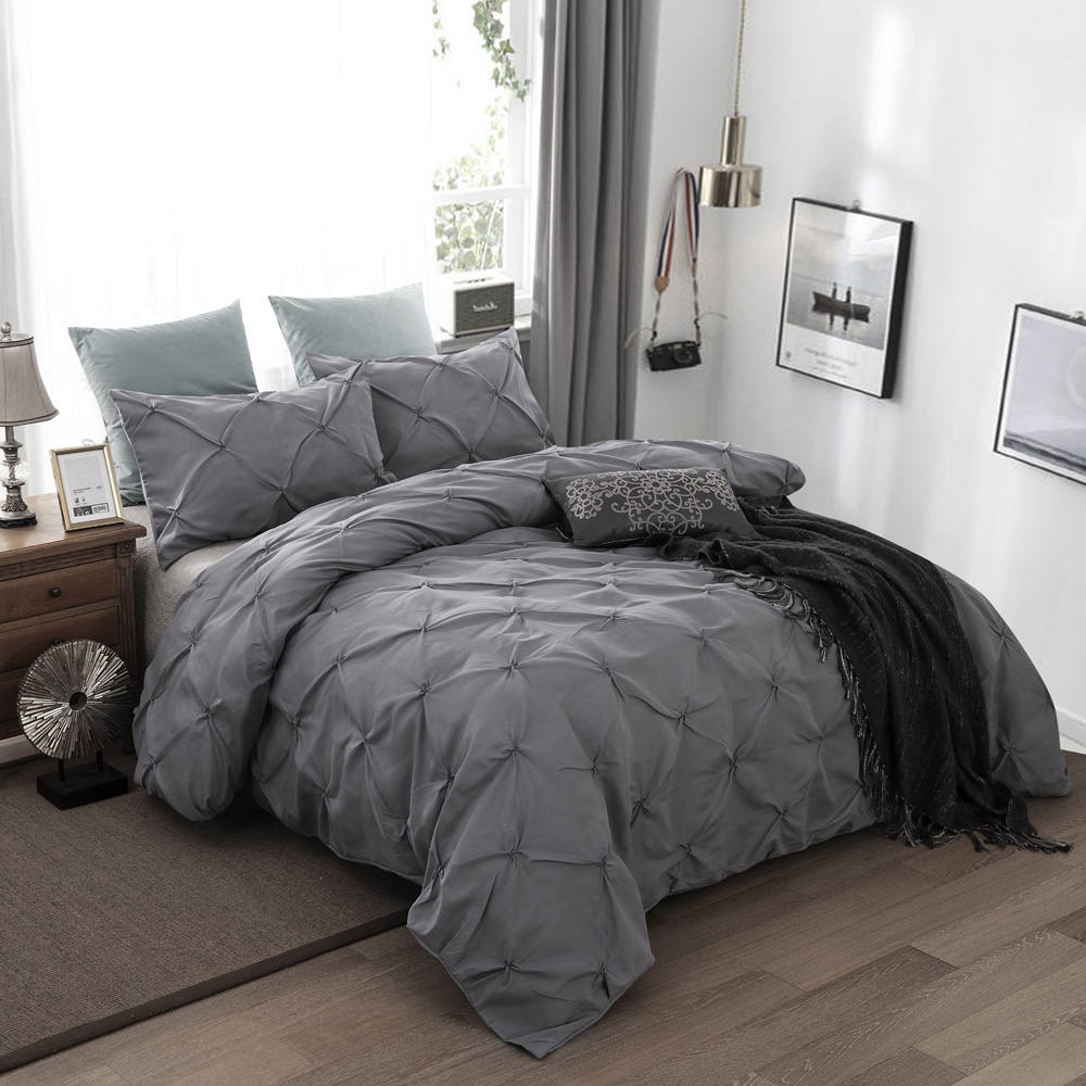 Luxury gray Quilt / Duvet Cover set Pinch Pleat Brief Bedding Set Queen King Sizes Bed Linen set With Pillowcase new 3pcsLuxury gray Quilt / Duvet Cover set Pinch Pleat Brief Bedding Set Queen King Sizes Bed Linen set With Pillowcase new 3pcs
