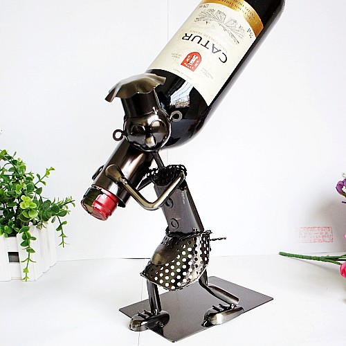 Fashion Metal Chef Liquor Wine Rack Crafts Dining Table Red Wine Bottle Home Bar Wine Holder