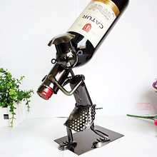 Fashion metal chef liquor wine rack crafts dining table red wine bottle home bar wine holder hanging display rack