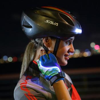 Kask rowerowy SAVA kask rowerowy kask rowerowy nocny bezpieczny kask z kierunkowskaz LED sterowanie bezprzewodowe kask ładowania USB światło rowerowe tanie i dobre opinie (Dorośli) mężczyzn CN (pochodzenie) 8-15 Iso9000 Lekki kask SVCE_0022 Adjustable Backside Turn signals USB charging