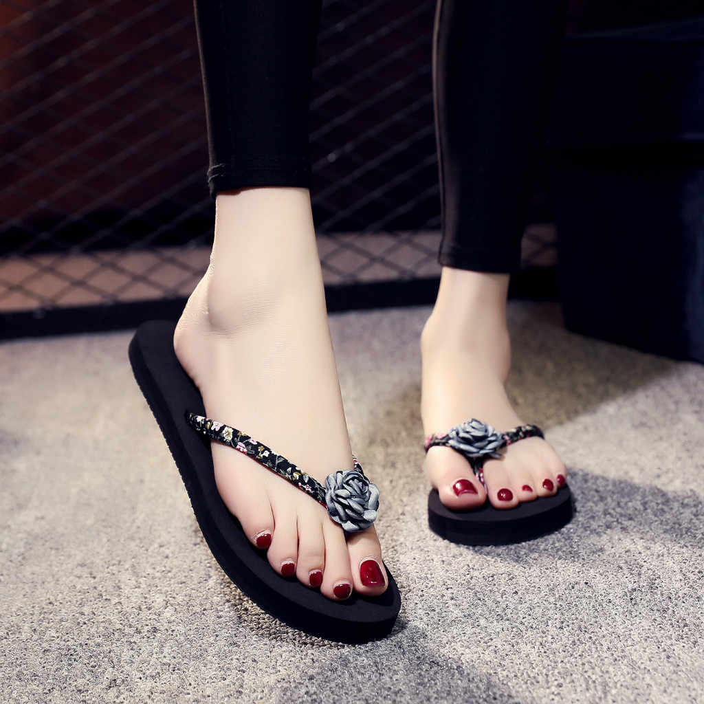 女性のサンダル花ウェッジノンスリップフラットヒールフリップフロップスリッパ夏カジュアル屋外ファッション女性ソフト浜の靴 C #