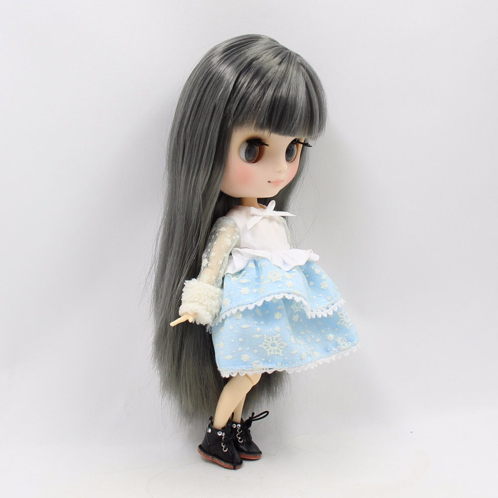 Middie Blythe Doll with Grey Hair, Tilting-Head & Jointed Body 3