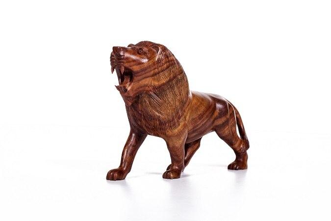 Artisanat en bois du Pakistan sculpture sur bois lion