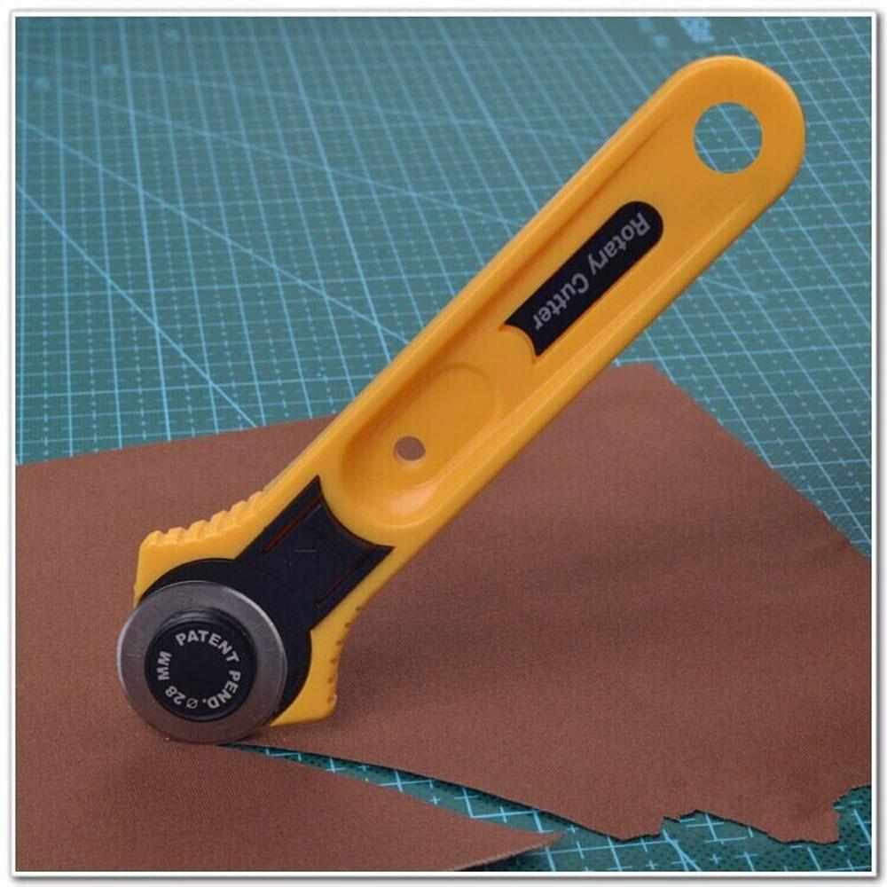 New Rotary Cutter Patchwork Lingkaran Putaran Kain Pisau Pemotong Bg 20a Mcb Miniature Circuit Breaker Departments Diy At Bq Kulit Alat Perlengkapan Jahit Aksesoris