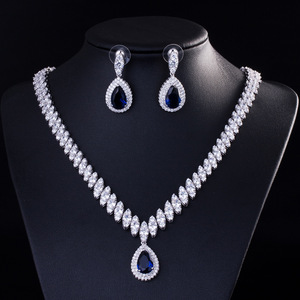 Image 3 - Collar y pendientes de boda de Zirconia cúbica de alta calidad, conjuntos de joyería de cristal de lujo para damas de honor