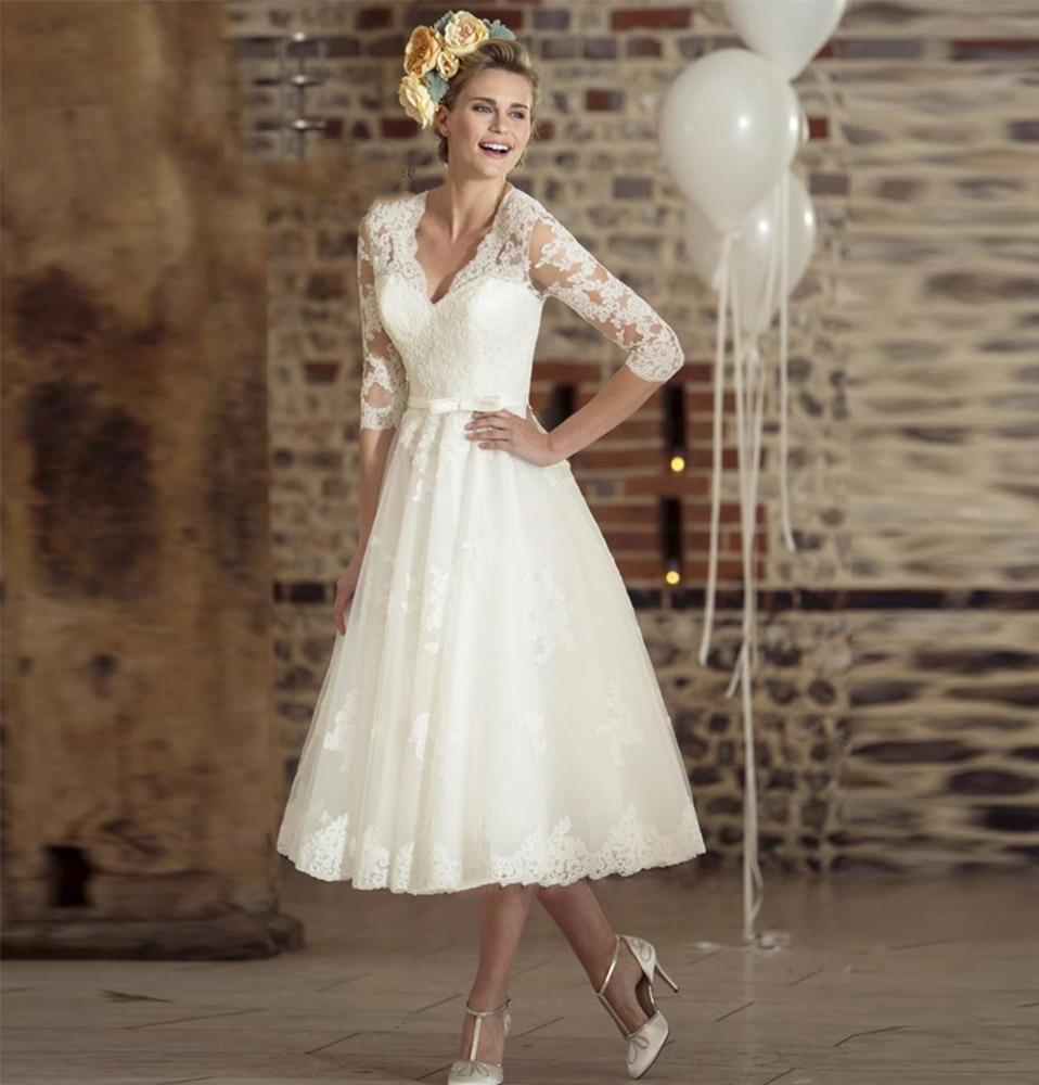 Vintage Vestido De Noiva Curto White Ivory Tea Length Wedding Dress Lace Wedding Gown V Neck Short Bridal Dresses 3/4 Sleeve Bow