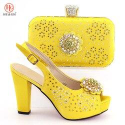 Gele Kleur Bruiloft Bijpassende Schoen en Tas Set Versierd met Rhinestone Italiaanse Schoen en Tas Set Afrikaanse Schoen en tas Set