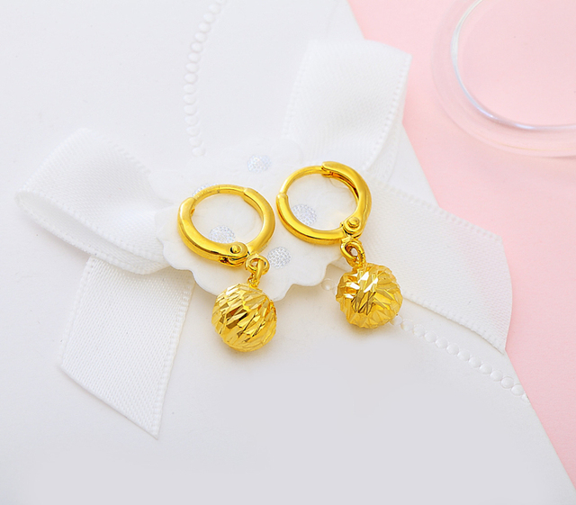 chain is hanging s gold solid loading designer carat yellow itm image beautiful earrings