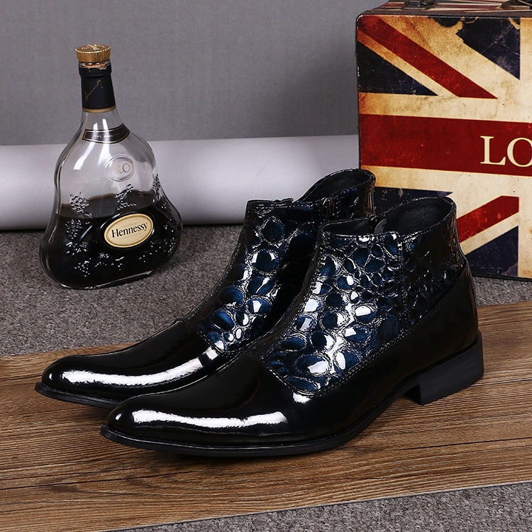 EUR47 Serpentine genuine leather motorcycle boots Mens ankle boots Pointed Toe Buckle mens dress shoes wholesaleEUR47 Serpentine genuine leather motorcycle boots Mens ankle boots Pointed Toe Buckle mens dress shoes wholesale