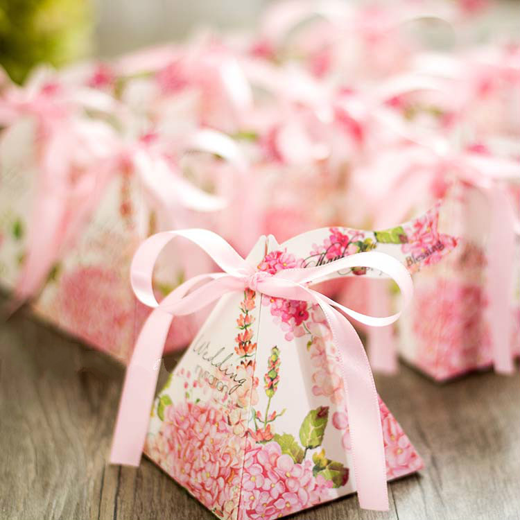 50pcs New European Sweet Pink Flower Wedding Candy Box With Ribbon