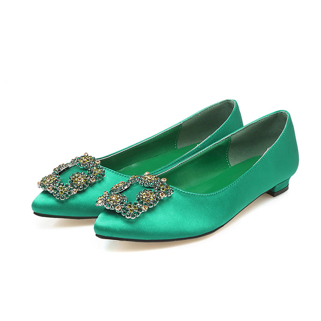 9cb6d751ae05 2017 Fashion Style Korea Women Flat Shoes Ballet Slip On Jewelled Brooch  Pointed Toe Rhinestone Casual Crystal Shoes green black