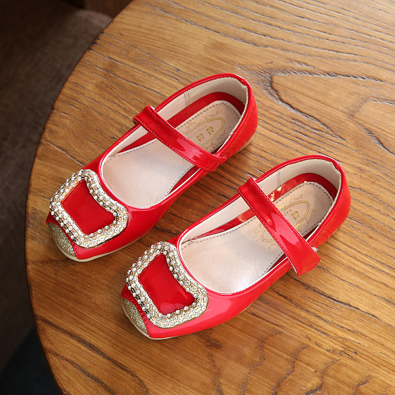 2019 Girl Summer Shoes Patent Leather Lattice Princess Sneakers Fashion Kids Girls Sandals Glitter Girls Flats White Dress Shoes