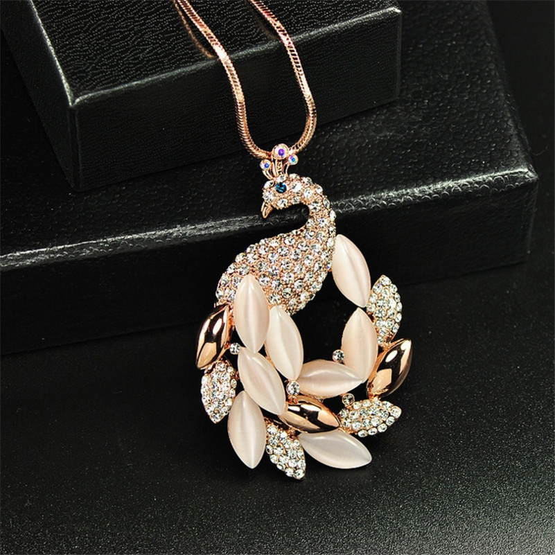 2017 New Fashion Fine Jewelry Big Peacock Princess Charm Delicate Choker Necklace For Women Sweet Wild Maxi Necklace