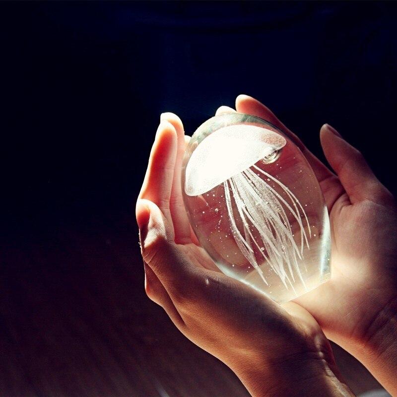 Fatti A Mano colorate Bagliore di Vetro Medusa Fermacarte Acquario di Cristallo Figurine Della Decorazione Della Casa