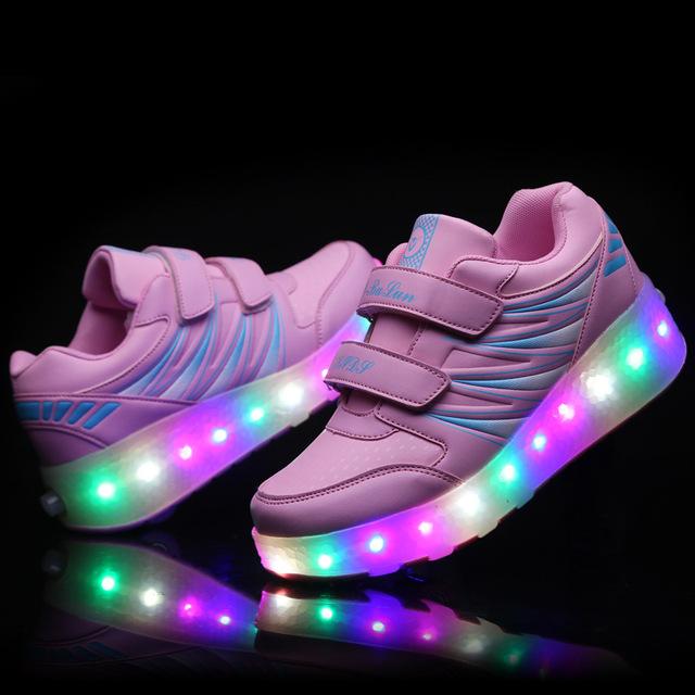 2017 Novas Crianças Sapatos de Rolo Duplas Crianças LED flash de Luz até Sapatos Meninas Meninos Tênis Patins Rodas Removíveis