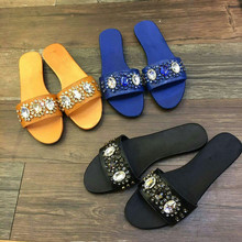 2018 Brand Slipper Woman Summer Beach Women Flats Crystal Embellished  Leather Shoes Slides Outdoor Solid Shoes 8373f079ae87