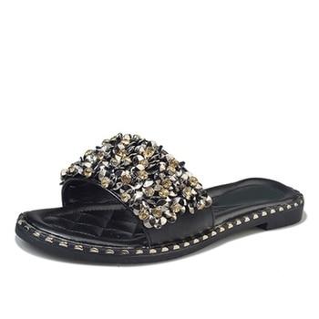 Women Casual Summer Flat Beach Slippers Female Crystal Rivets Slides Slipper Shoes For Girls Fashion Woman Leisure Footwear 2019 2