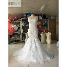 White Lace Tulle Mermaid/Trumpet  Wedding dresses Chapel Train Scoop Sleeveless Bridal Gowns Buttons On the Back