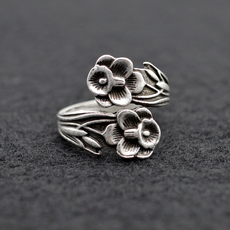 10pcs medieval vintage spoon rings lilly flower adjustable spoon rings jewelry for women antique silver bohemia rings rg33 in rings from jewelry - Medieval Wedding Rings