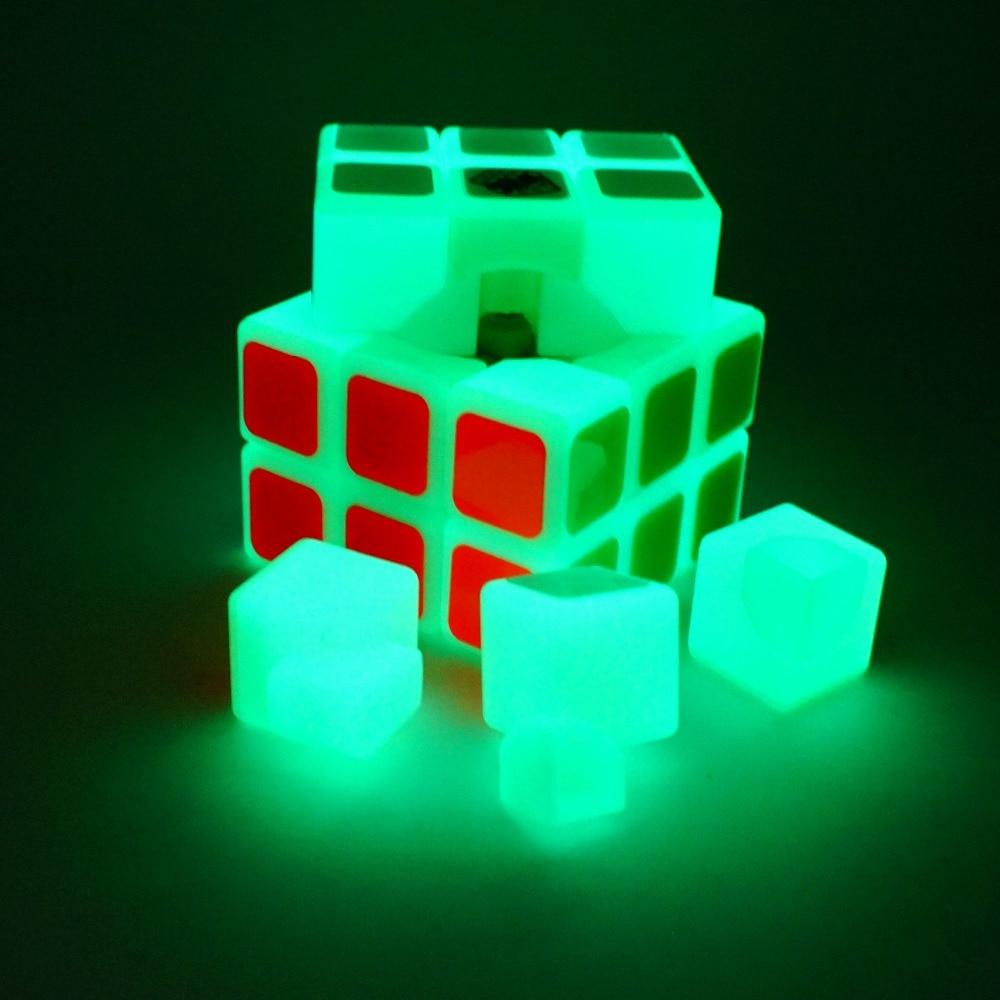 2018 Nouvel arrivé cube magique yoyo Noctilucent Cube magique Professionnel 3 * 3 * 3 Magico Puzzle Vitesse Classique Jouets Cube lumineux