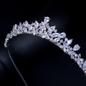 Image 4 - CWWZircons Yüksek Kalite Kübik Zirkonya Romantik Gelin Çiçek tiara taç Düğün Nedime saç aksesuarları Takı A008