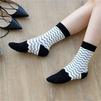 5 Pairs LOT White And Black Socks Cotton Plus Sign Floral Personality Printing Crew Stockings Socks