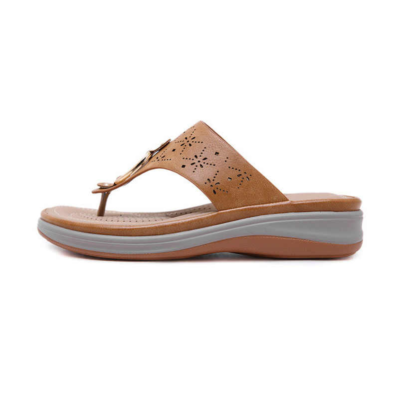YAERNI2019New fashion European and American sandals metal clip toe wedge Women's shoes large size comfortable beach slippersE911