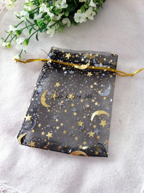100 pcs lot 9 12 cm Noir Imprimé Golden Star   Moon Sacs Organza Cordon  sacs Perles Paquet Poches de Cadeau 987921e9061