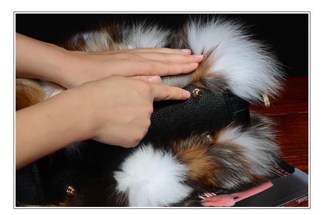 Sac a main en réel fourrure de renard