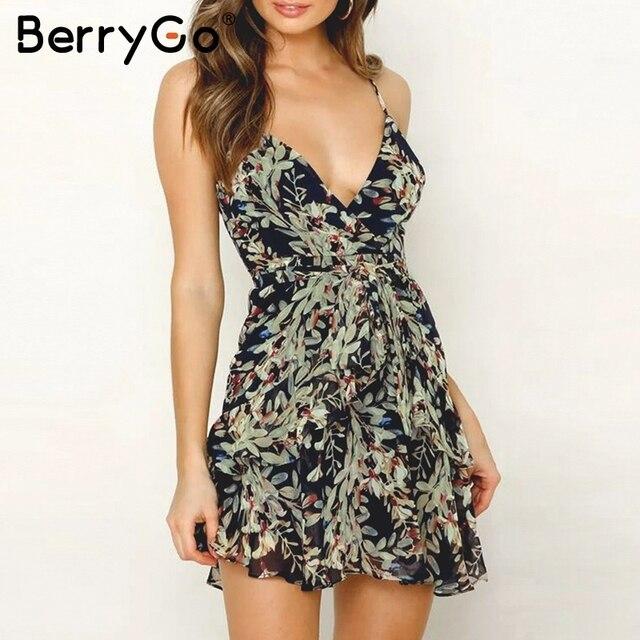 BerryGo сексуальное женское платье с глубоким v-образным вырезом, бохо, цветочный принт, на тонких бретелях, с оборками, летний сарафан с высокой талией, одежда для отпуска, пляжные платья