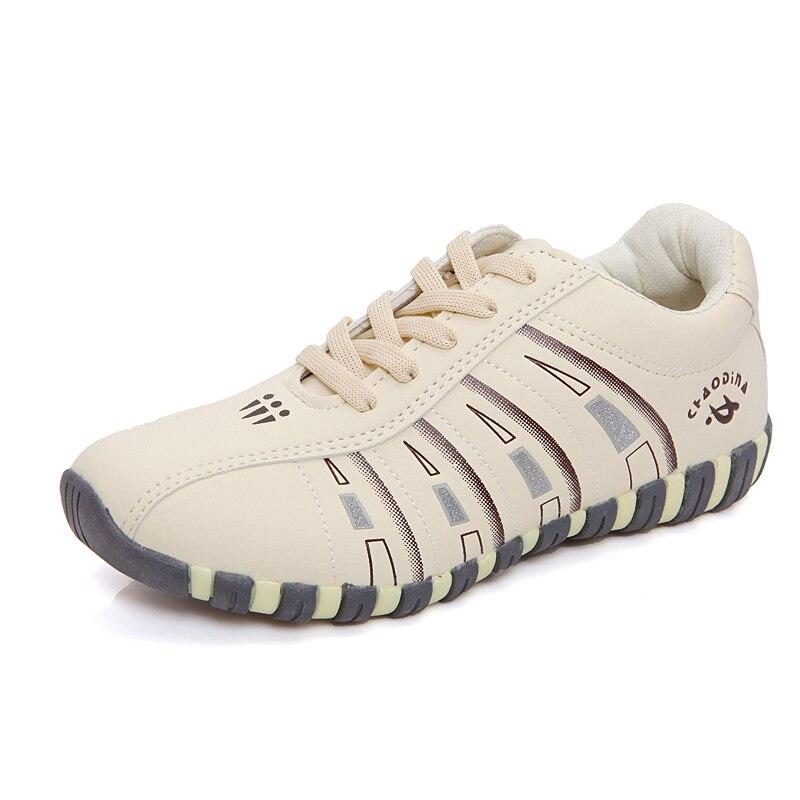 Prix pour 2016 Femmes Beige Sneakers Automne Printemps En Plein Air Femme PU Chaussures de Course ShoesA38 Femmes Sport Lacent Chaussures Plus La Taille 35-41