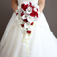 2018 new Waterfall Red white Wedding Flowers Bridal Bouquets Artificial Pearls Crystal Wedding Bouquets Bouquet De Mariage Rose