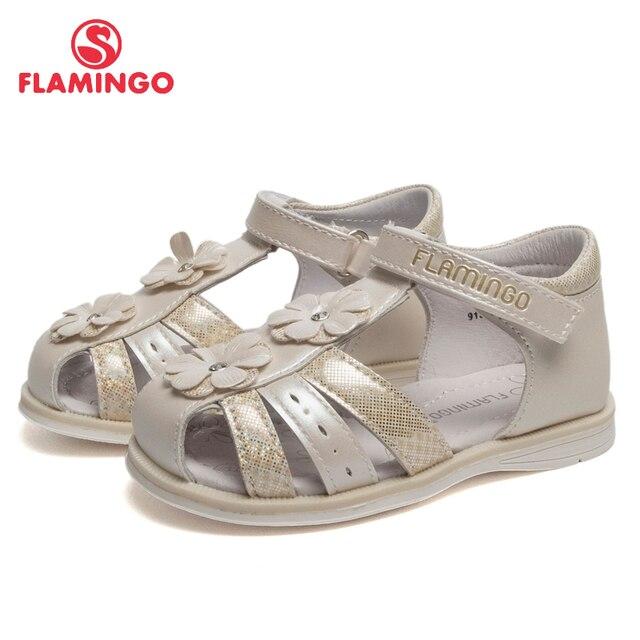Сандалии Фламинго для девочек 91S-HL-1406, кожаная стелька, застежка – липучка, красивое украшение – цветы, для приятных  прогулок маленьких принцесс, размер 21-26.